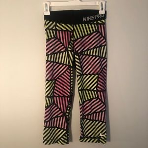 DRI FIT NIKE Pro Patterned Cropped Leggings